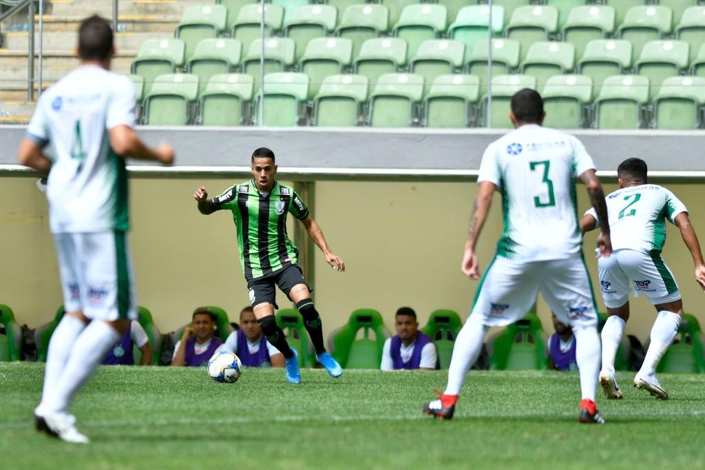 Matheusinho durante duelo entre América x Guarani-SP - Foto: Mourão Panda / América